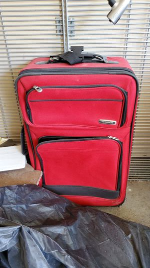Red travel suitcase for Sale in Fort Worth, TX