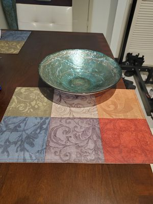 Table Center Bowl with 4 Placemats for Sale in Pembroke Pines, FL