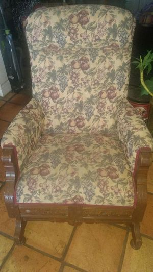 Antique Rocking Chair (negotiable) for Sale in Fowler, CA