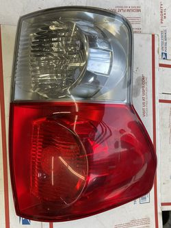 2007-2013 Toyota Tundra Tail Light Left Side OEM W-4942 for Sale in Los Angeles,  CA