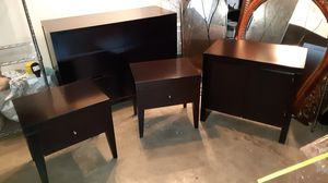 Dresser, night stands, hutch. Bedroom set for Sale in Lake Stevens, WA