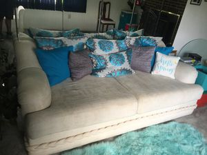 All white sofa set in great condition for Sale in Oxon Hill, MD