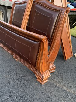 King Size Bed Set for Sale in Happy Valley,  OR