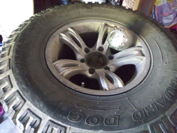 """Gmc and chevy rims 16"""" 6 lugs"""