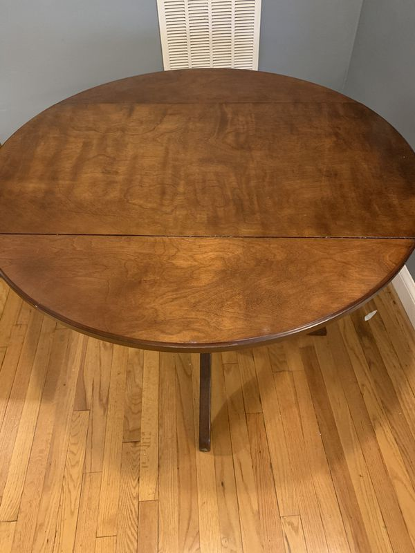 Dining Room Table (and 4 chairs)