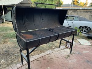 Full charcoal grill for Sale in San Jose, CA