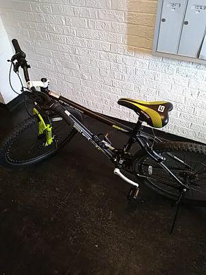 Genesis Mountain bike for Sale in Oxon Hill, MD
