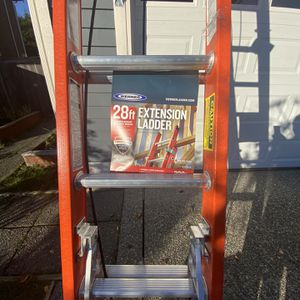 Ladder new 28 ft for Sale in Renton, WA