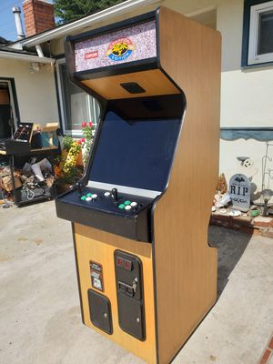 Excellent arcade game with 1500 games new joysticks and buttons free delivery SALE PENDING!!!!!!!!! for Sale in Westminster, CA