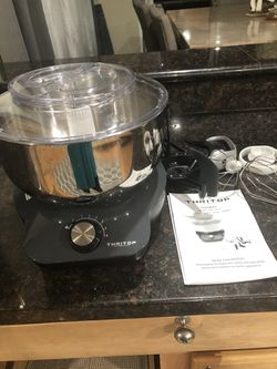Thritop food mixer and bread maker in great condition and great working condition with all accessories for Sale in Covington,  WA