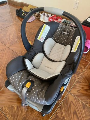 The KeyFit® 30 Chico Car SeatThe KeyFit 30 Chico Car Seat Polka Dot EXCELLENT CONDITION LIKE NEW for Sale in Hollywood, FL
