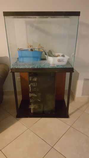 55 Gallon Fish Tank (All Equipment Included) for Sale in Chicago, IL