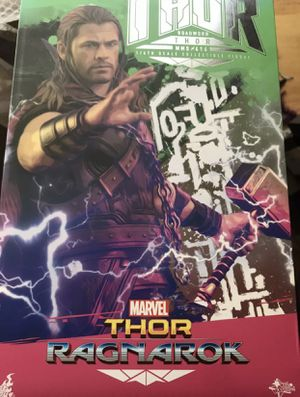 Hot Toys MMS 416 Roadworn Thor Ragnarok 1/6 Figure USA Seller!! for Sale in Oakland, CA