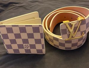 LV men wallet for Sale in Lutz, FL