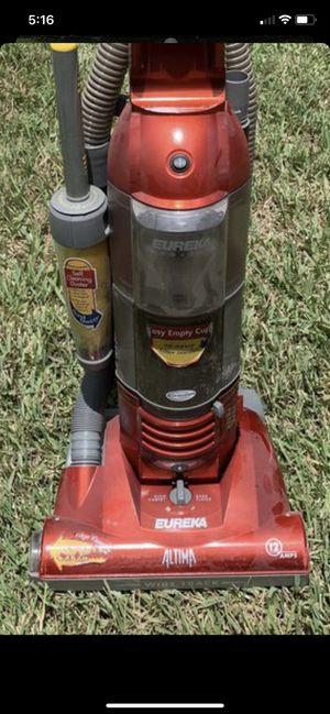 Eureka household vacuum cleaner for Sale in Bradenton, FL