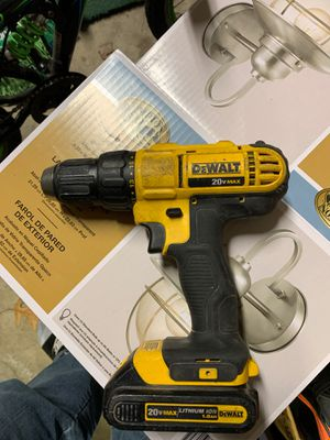 Dewalt 20 volt drill with one battery for Sale in Saugus, MA