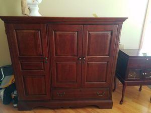 Tv unit plus storage cabinets for Sale in Bartlett, IL