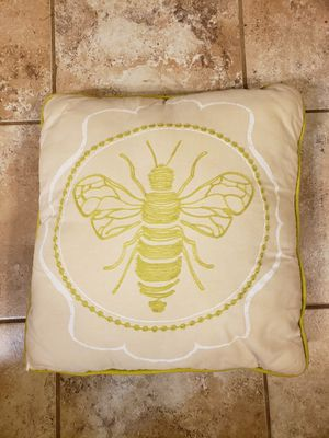 """Decor Accent Pillow Embroidered Bee Pea Green 16"""" x 16"""" for Sale in Willow Spring, NC"""