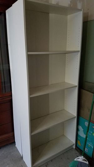 Two white bookshelves/ bookcases for Sale in Auburn, WA