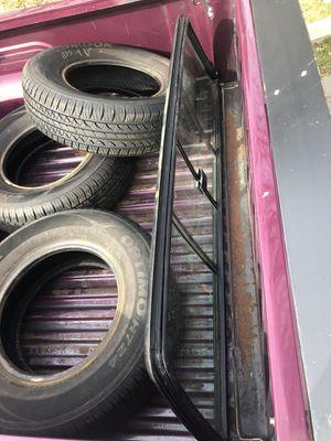 Nissan d21 / hardbody rear sliding window for Sale in Puyallup, WA