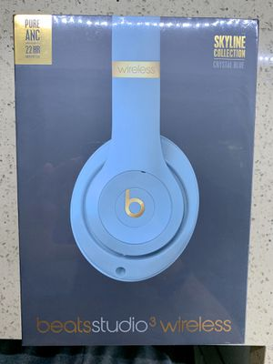 Beats Studio Wireless 3 Crystal Blue Skyline Collection SEND OFFERS for Sale in Hialeah, FL