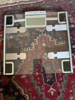 Bathroom scale with BMI Calc. for Sale in San Diego,  CA