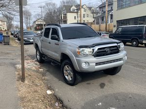 Toyota tacoma 2006 for Sale in New Haven, CT