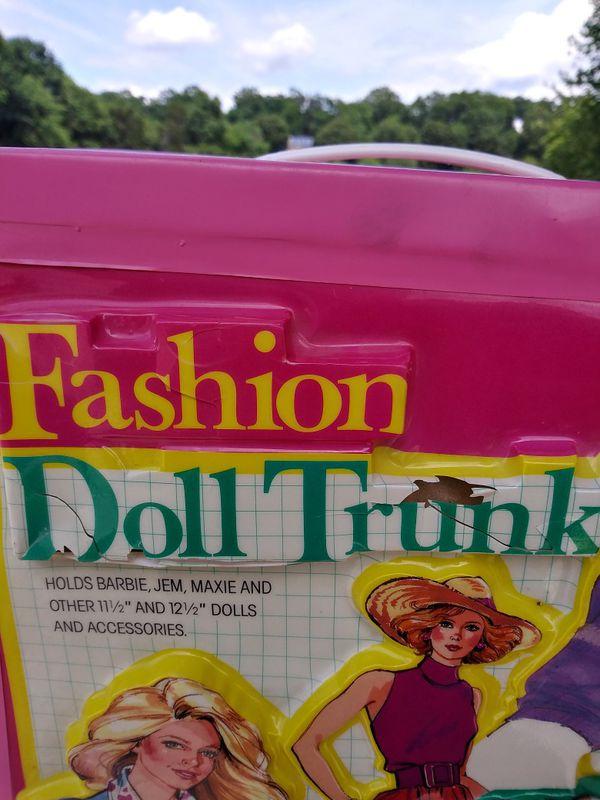 Vintage Fashion Doll Trunk