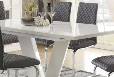 Dining Table Set 5 PCS In Special Offer In 45701 Highway 27N Davenport Fl 33897 407@969@1652 for Sale in Davenport,  FL