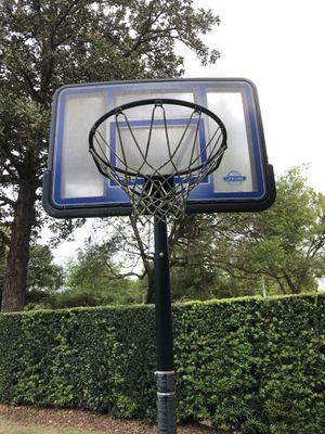 Full size basketball hoop, in good shape for Sale in Winter Park, FL