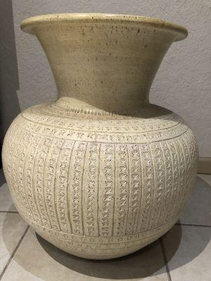Vase Indonesian for Sale in Pembroke Pines, FL