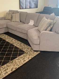 3 Piece Sectional On Sale ( Below Amazon Price) ON SALE for Sale in Federal Way,  WA
