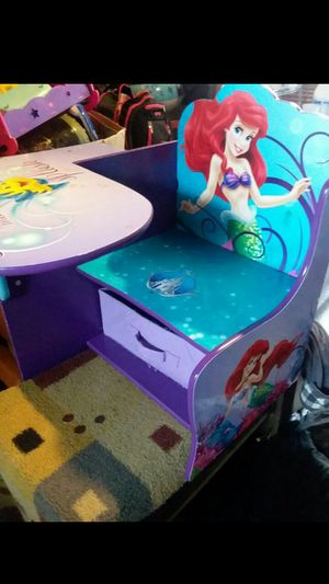 Kid chair n desk for Sale in Keizer, OR