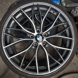 20 INCH STAGGERED BMW RIMS IN GOOD CONDITION. for Sale in Fort Lauderdale, FL