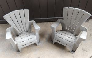 Decorative Plastic Kid's Lounge Chairs (set of 2) for Sale in Downers Grove, IL