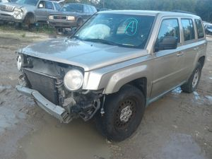 2010 jeep patriot 2.4 motor for parts only for Sale in Houston, TX