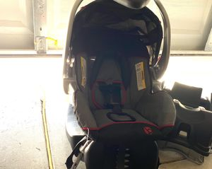 Baby trend car seat and 2 bases for Sale in Colorado Springs, CO