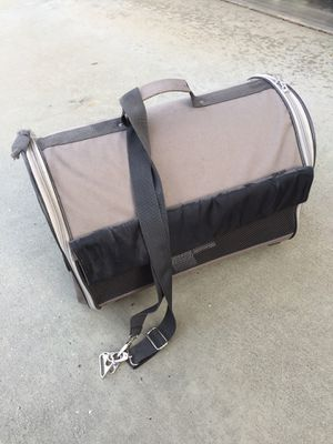 Small Dog Travel Carrier for Sale in Moreno Valley, CA