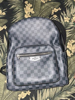 LOUIS VUITTON BAG REAL AND TAKEN CARE OF for Sale in VLG WELLINGTN, FL