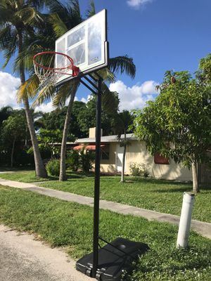 Free Basketball Hoop for Sale in West Palm Beach, FL