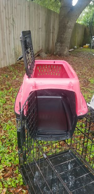 Pink Dog Cage 19L X 12W for Sale in Bartow, FL