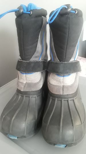 Tote boys winter boot sz 4 for Sale in Grosse Pointe Park, MI