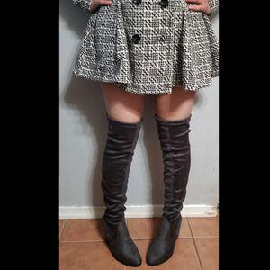 Queen over knee boots Vegan Suede for Sale in Ontario, CA