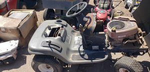 LT 2000 Craftsman Riding Lawn Mower Does Not Run for Sale in Phoenix, AZ