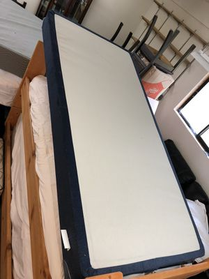 King size Mattress & box spring for Sale in Issaquah, WA