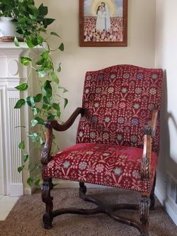 Beautiful Antique Chair for Sale in Eagle Mountain,  UT