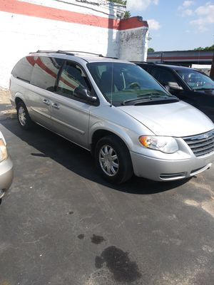 05 Chrysler town and country for Sale in St. Louis, MO