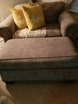 couch with ottoman for Sale in Lumberton,  NJ