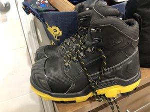 New DUNLOP boots for Sale in North Miami, FL