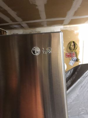 Lg refrigerator Free Come get it today! for Sale in Livermore, CA